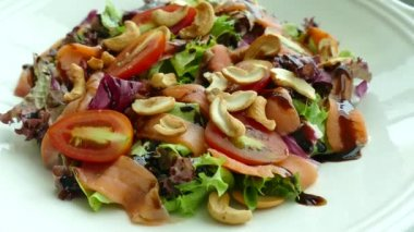 duck salad with vegetables and cashews