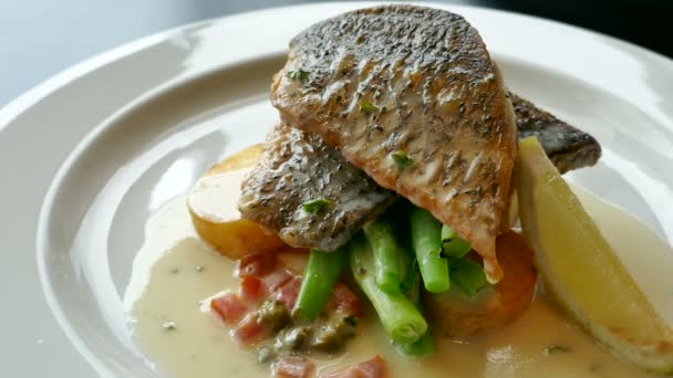 pečené ryby se zeleninou