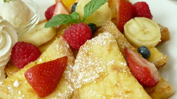 cakes with cream and fruits