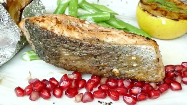 Grilovaný losos maso steak