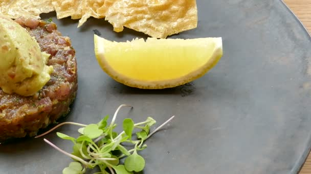delicious tuna tartare