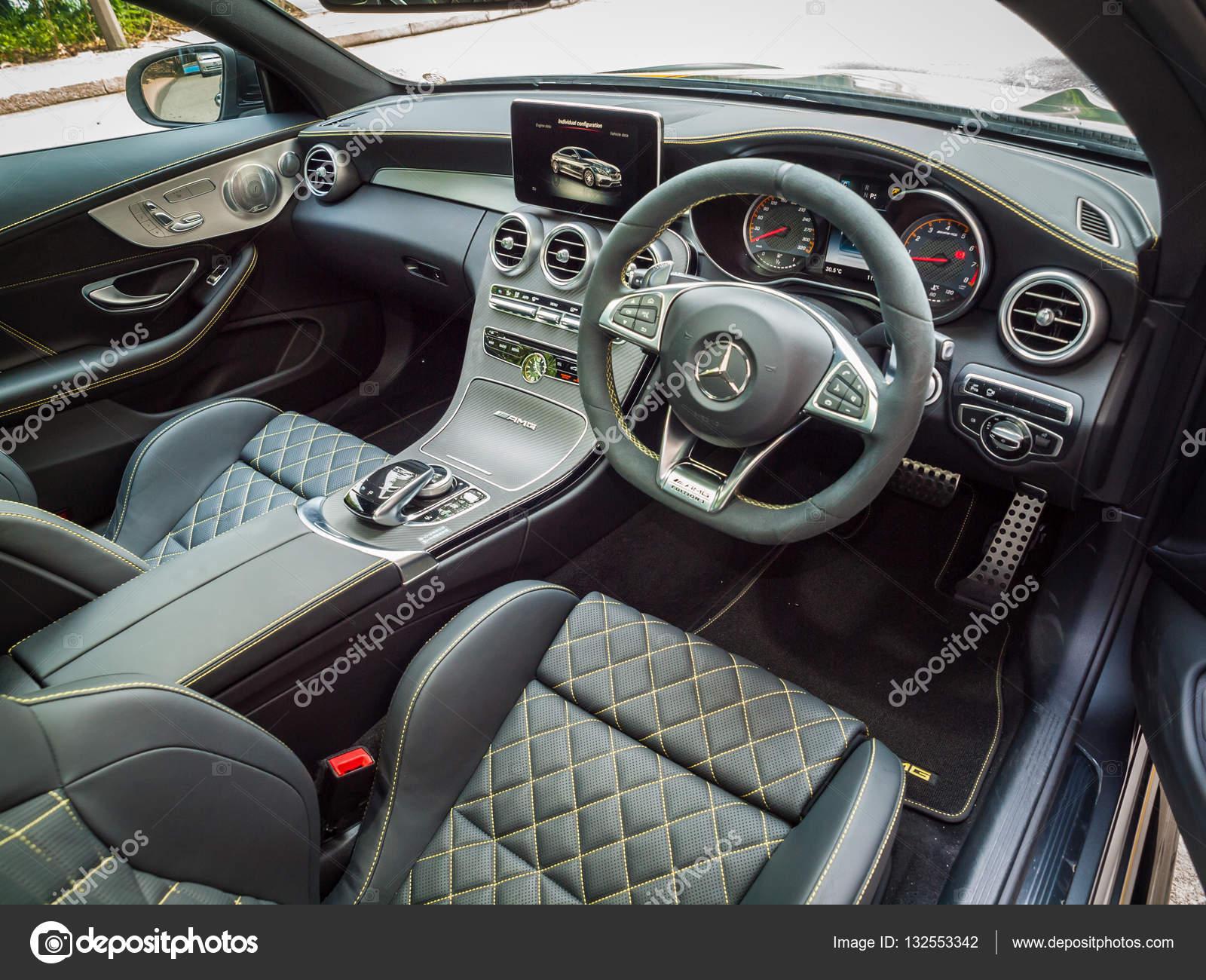 Mercedes-Amg C 63 S Coupe Interieur — Redaktionelles Stockfoto ...