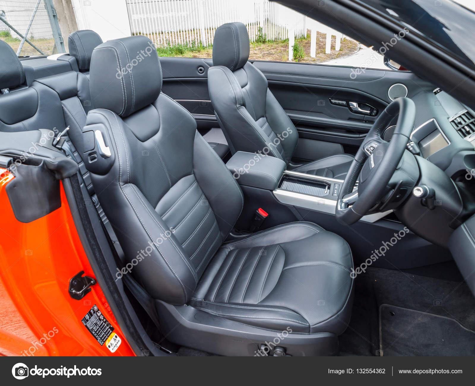 https://st3.depositphotos.com/6664102/13255/i/1600/depositphotos_132554362-stock-photo-range-rover-evoque-convertible-interior.jpg