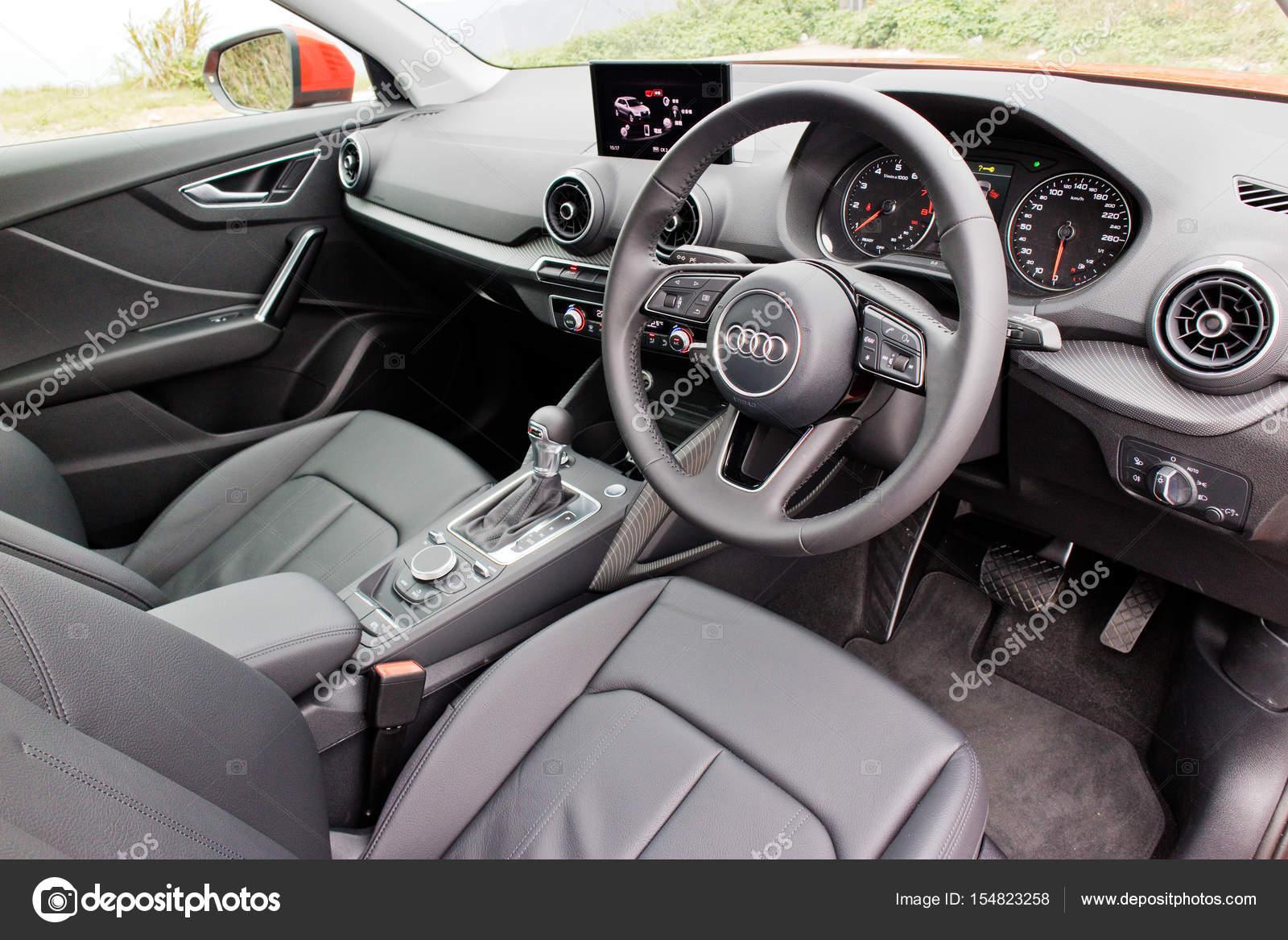 Audi Q2 2017 Interieur — Redaktionelles Stockfoto © teddyleung ...
