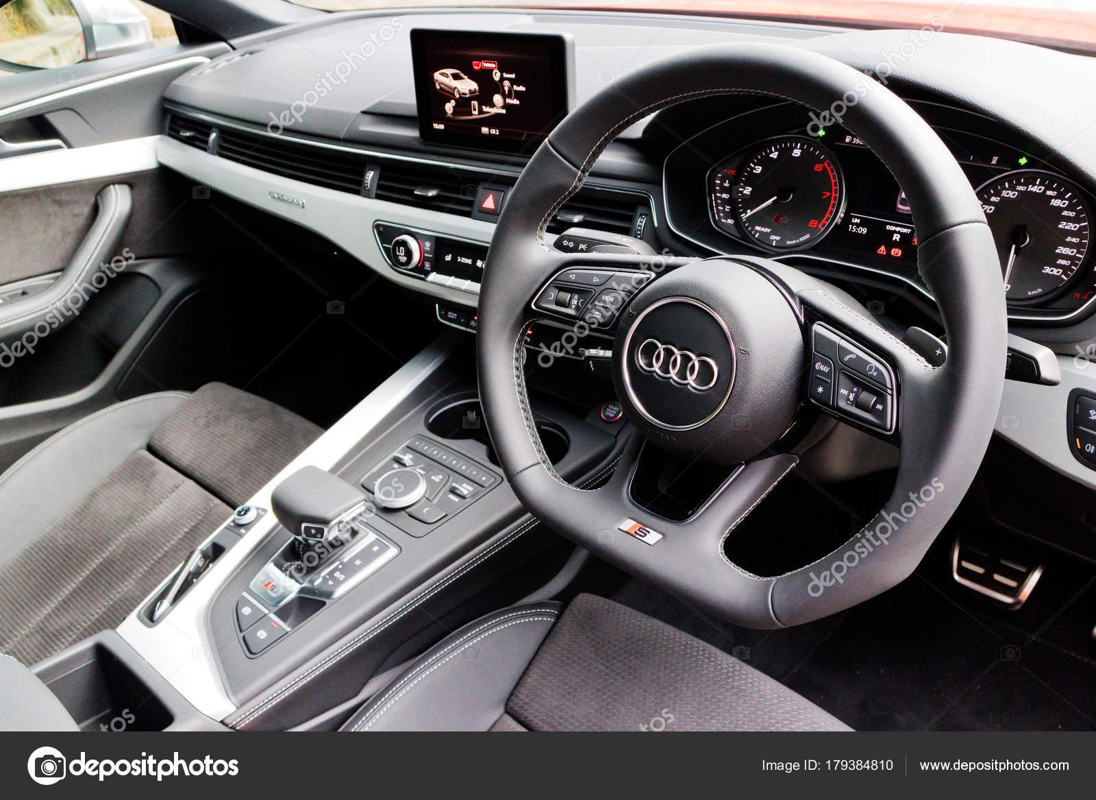Audi S5 Sportback brandneue 2017 Interieur — Redaktionelles ...