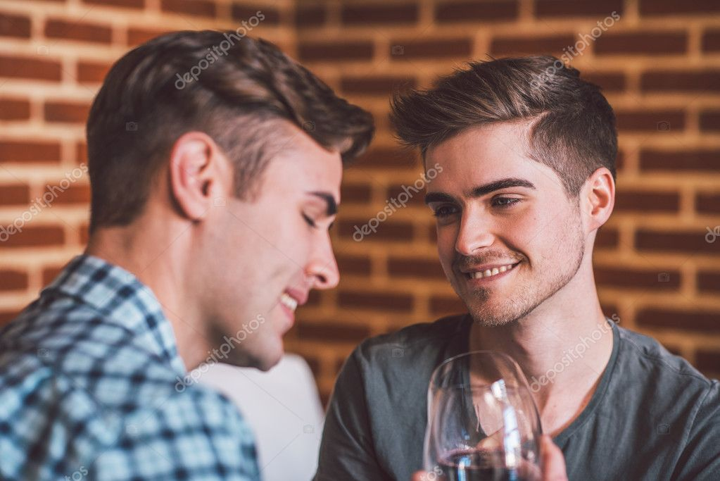 Для создания гей пары фото 244-119