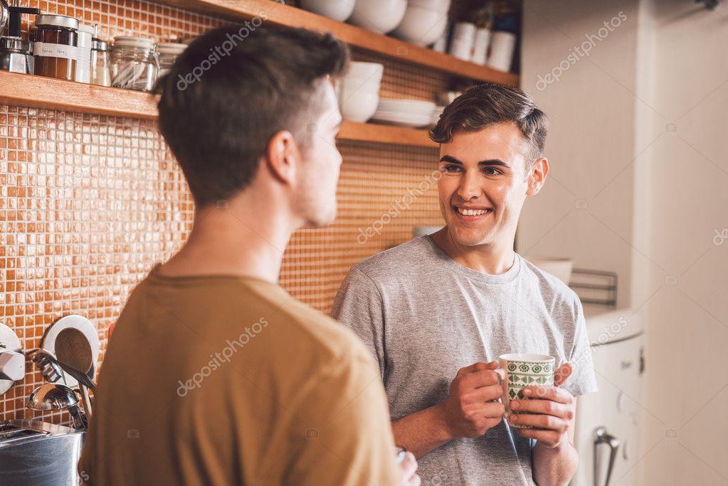 Красивая молодая пара геев фото 618-893