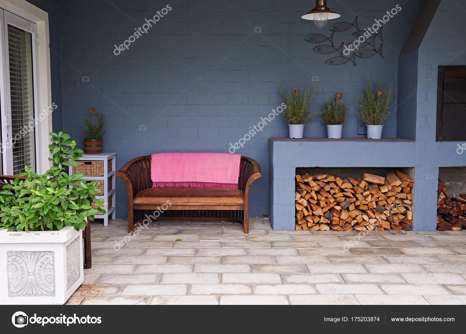 Barbecue en entertainment patio u stockfoto mavoimages