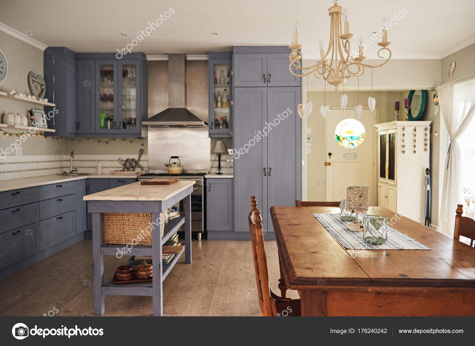 cocina estilo Country — Fotos de Stock © mavoimages #176240242