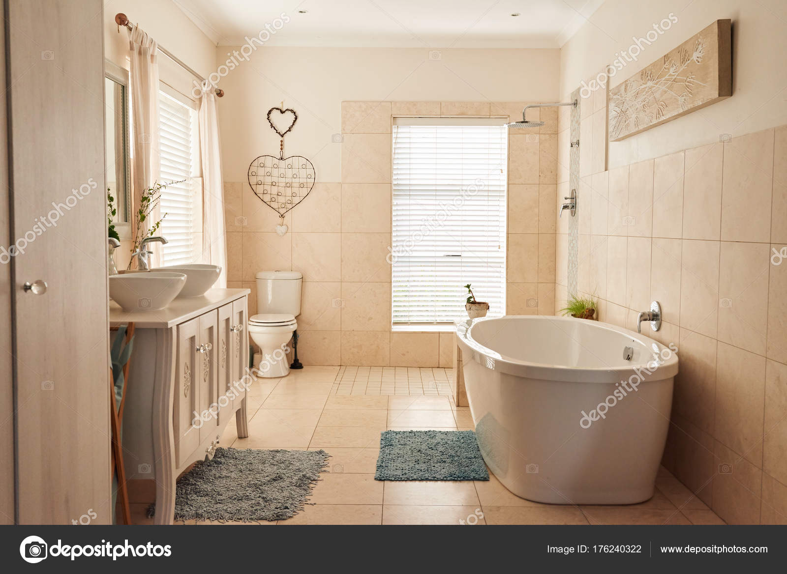 Bagno in stile country foto stock mavoimages 176240322 for Bagno stile country