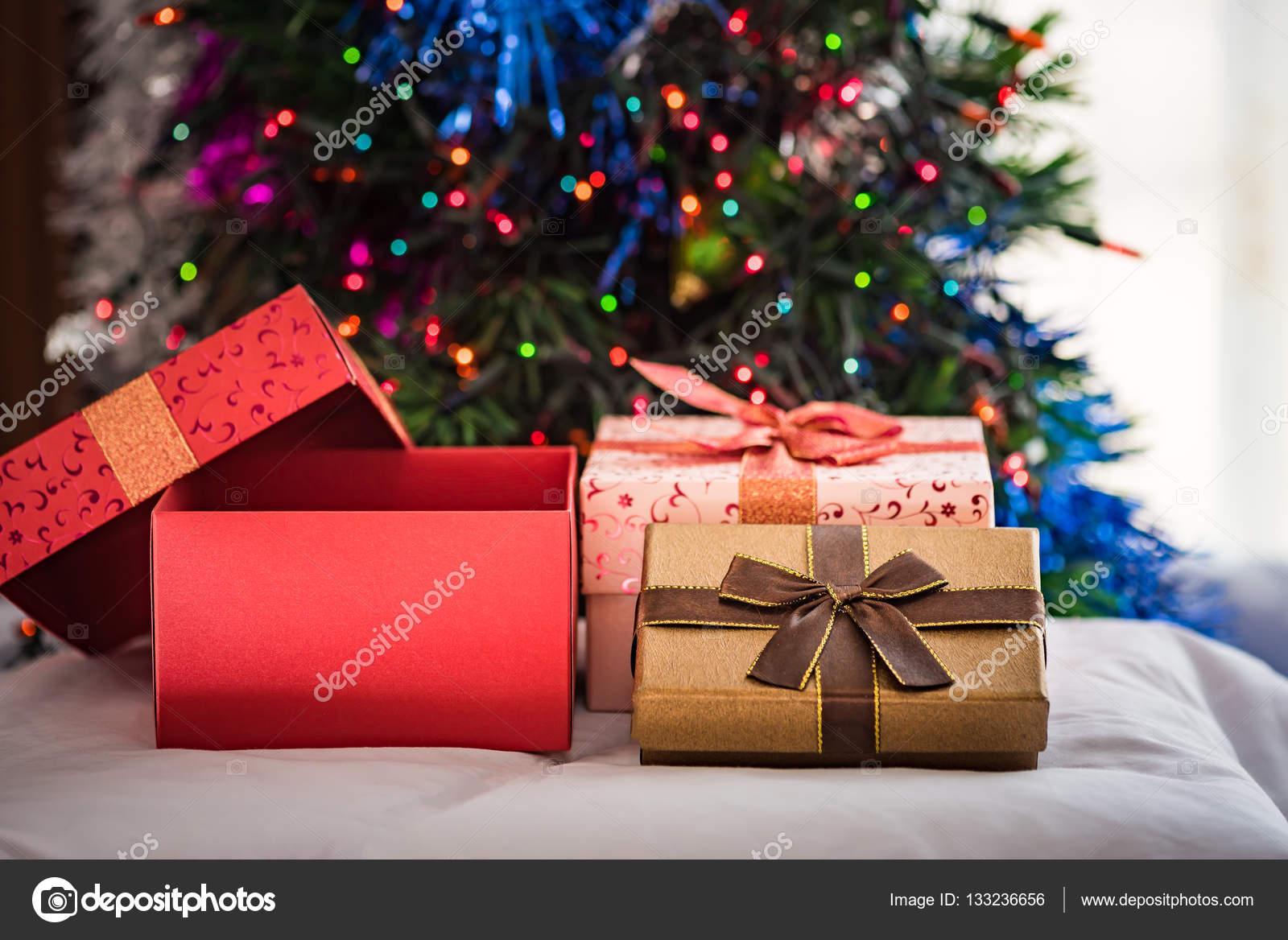 schönes geschenk-box — Stockfoto © Ztranger #133236656