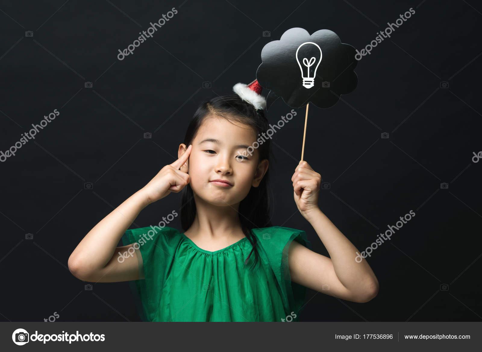 Süße Asiatische Mädchen Gekleidet Ein Grünes Kleid Hält Eine Idee ...