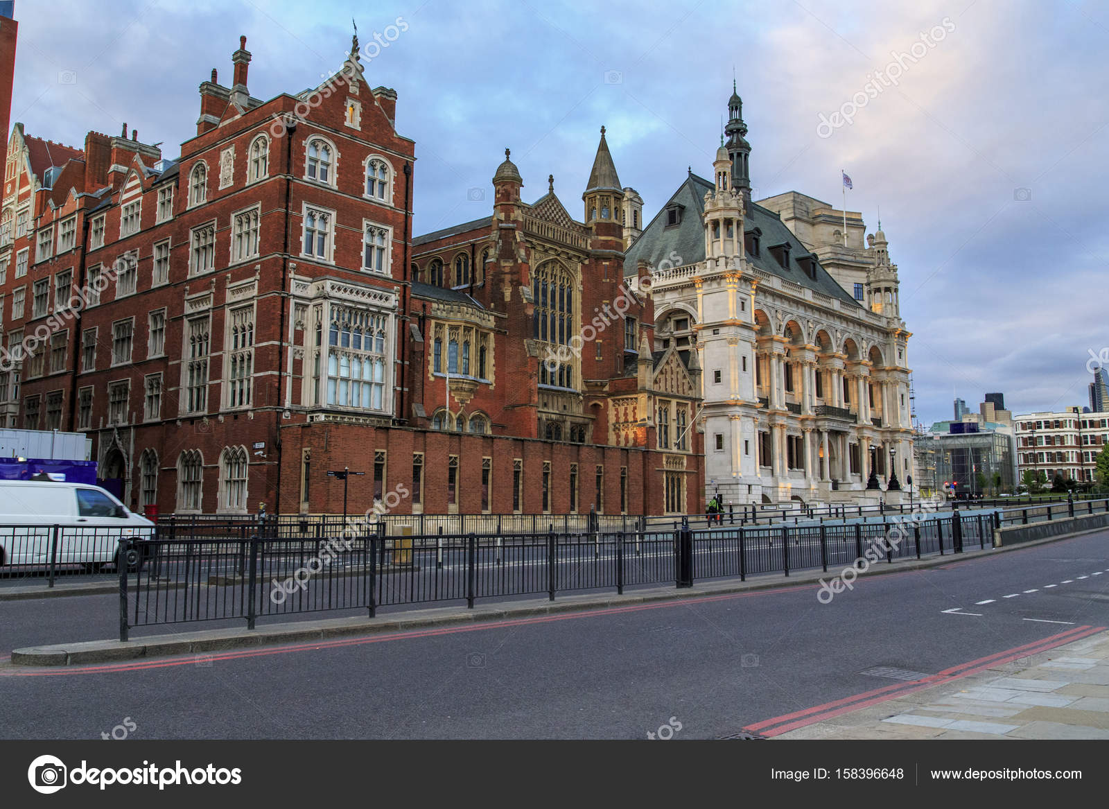 Victoria Embankment London Stock Editorial Photo C Goga18128 Mail