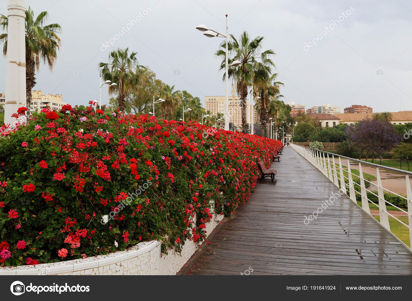 Мост из цветов