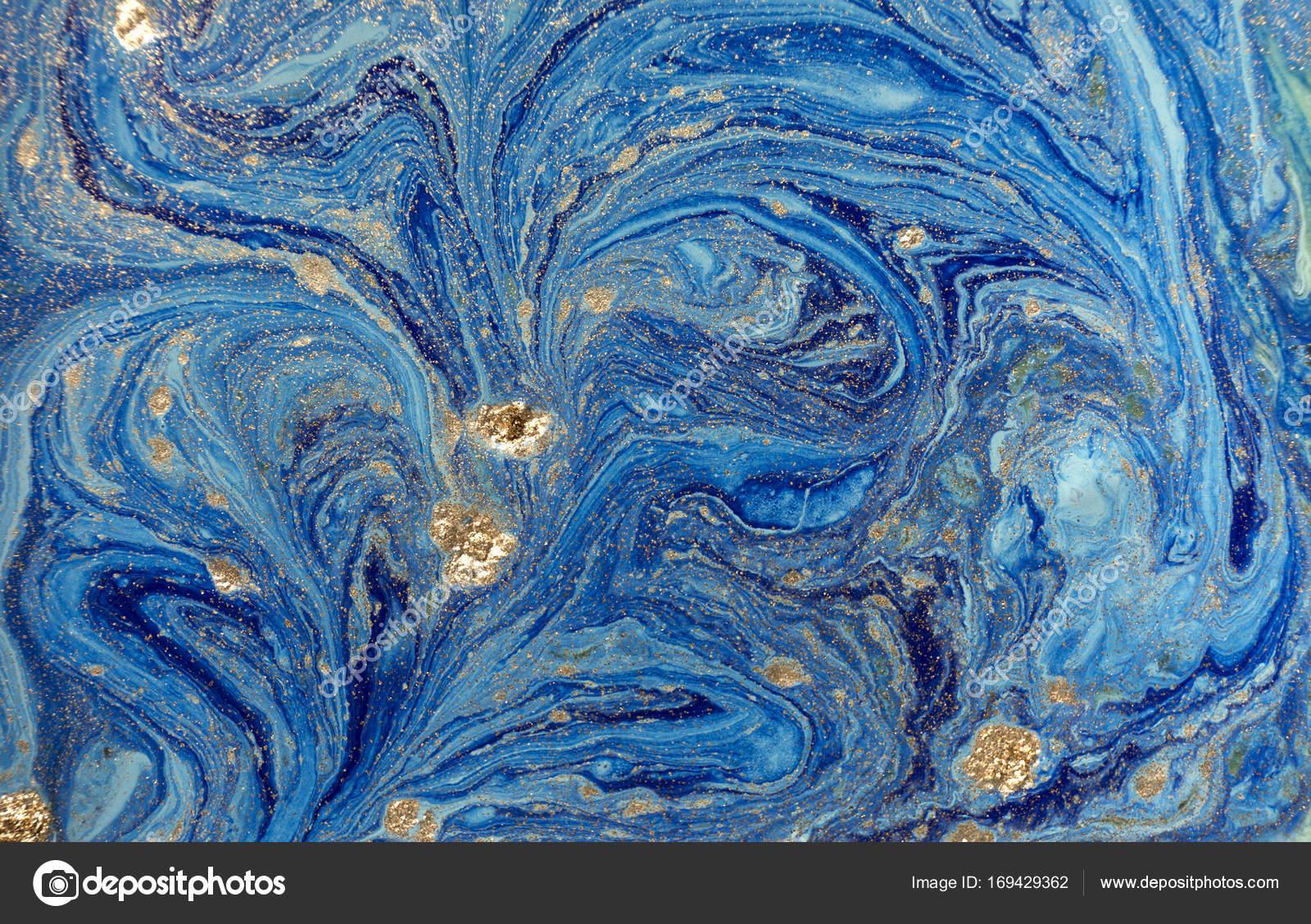 мраморный синий абстрактный фон с золотой блестками жидкие