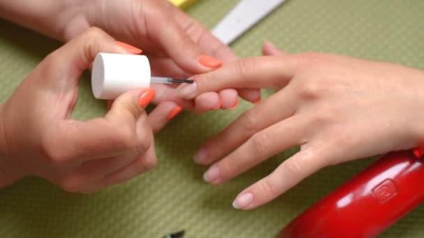 manikůra make-up
