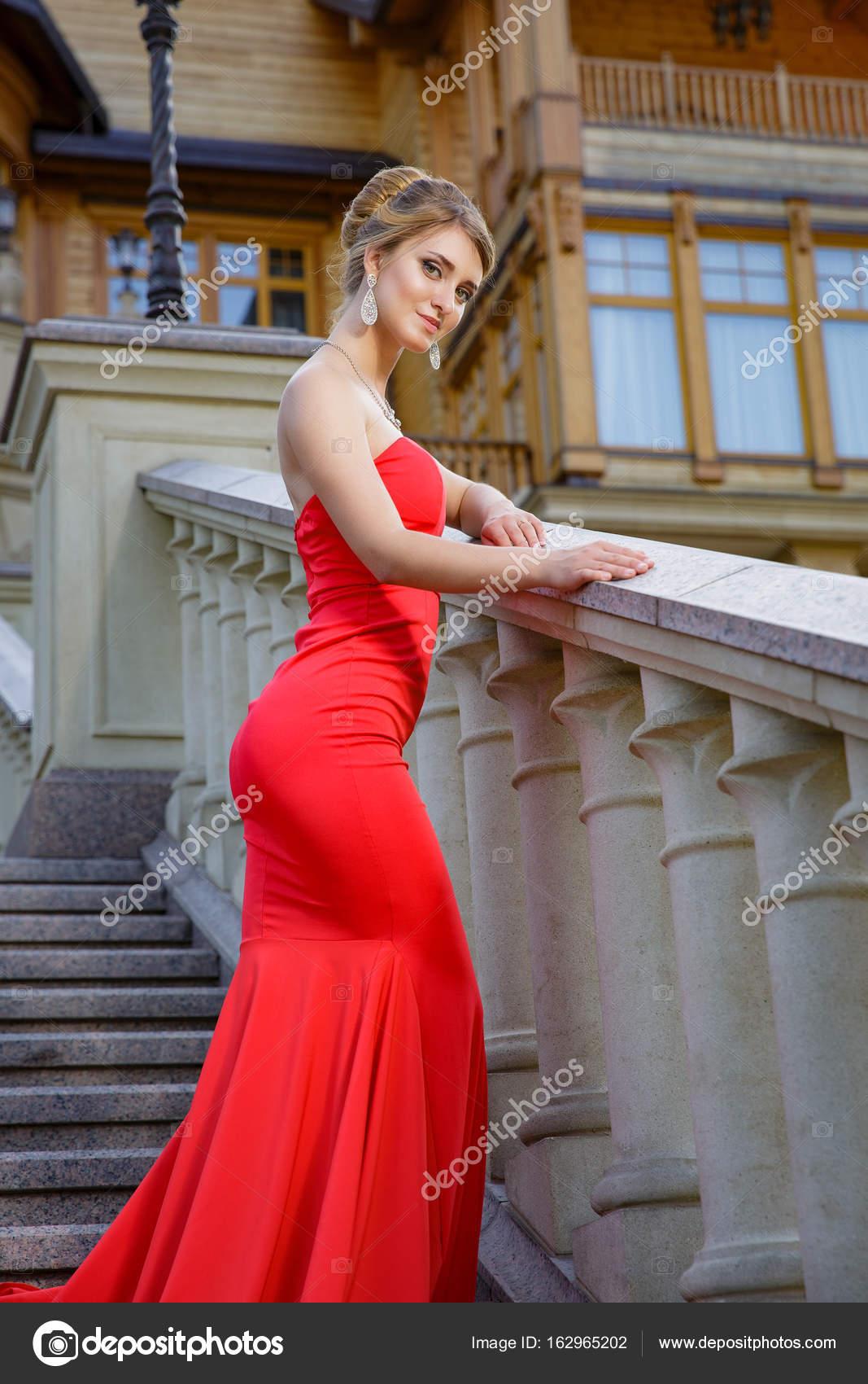 Luxurious Red Dress