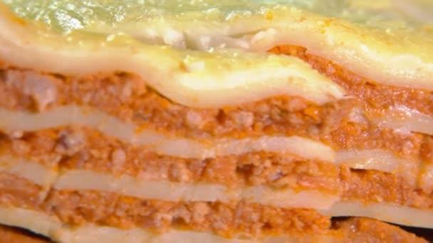 Super-Close-up-Schnitt italienischer Lasagne