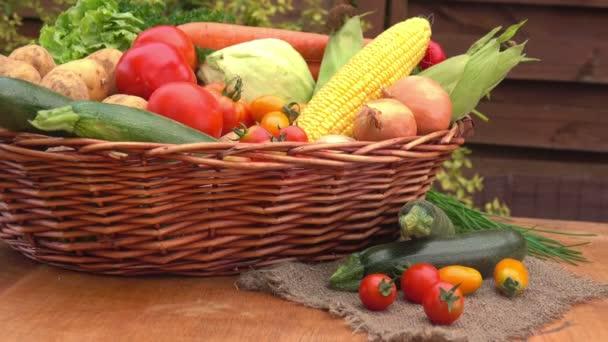 Csendélet zöldségekkel és zöld