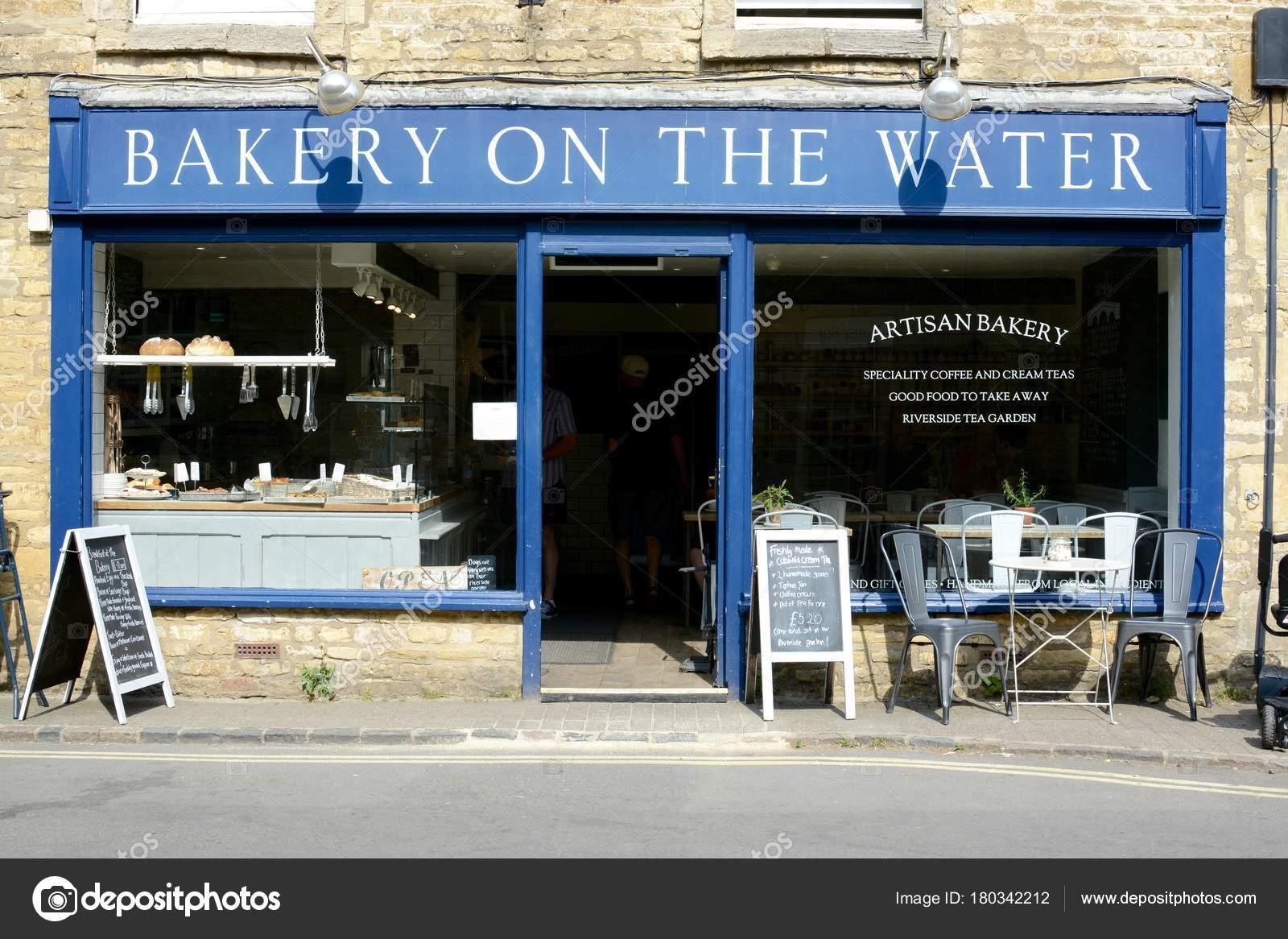 Bourton Water June 2017 Old Bread Shop Bakery Water Beautiful