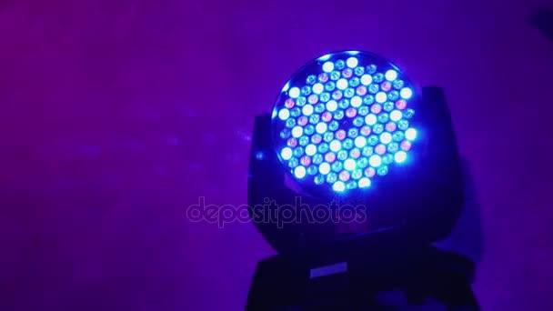 Apparecchiature di illuminazione per discoteche. led lampada al