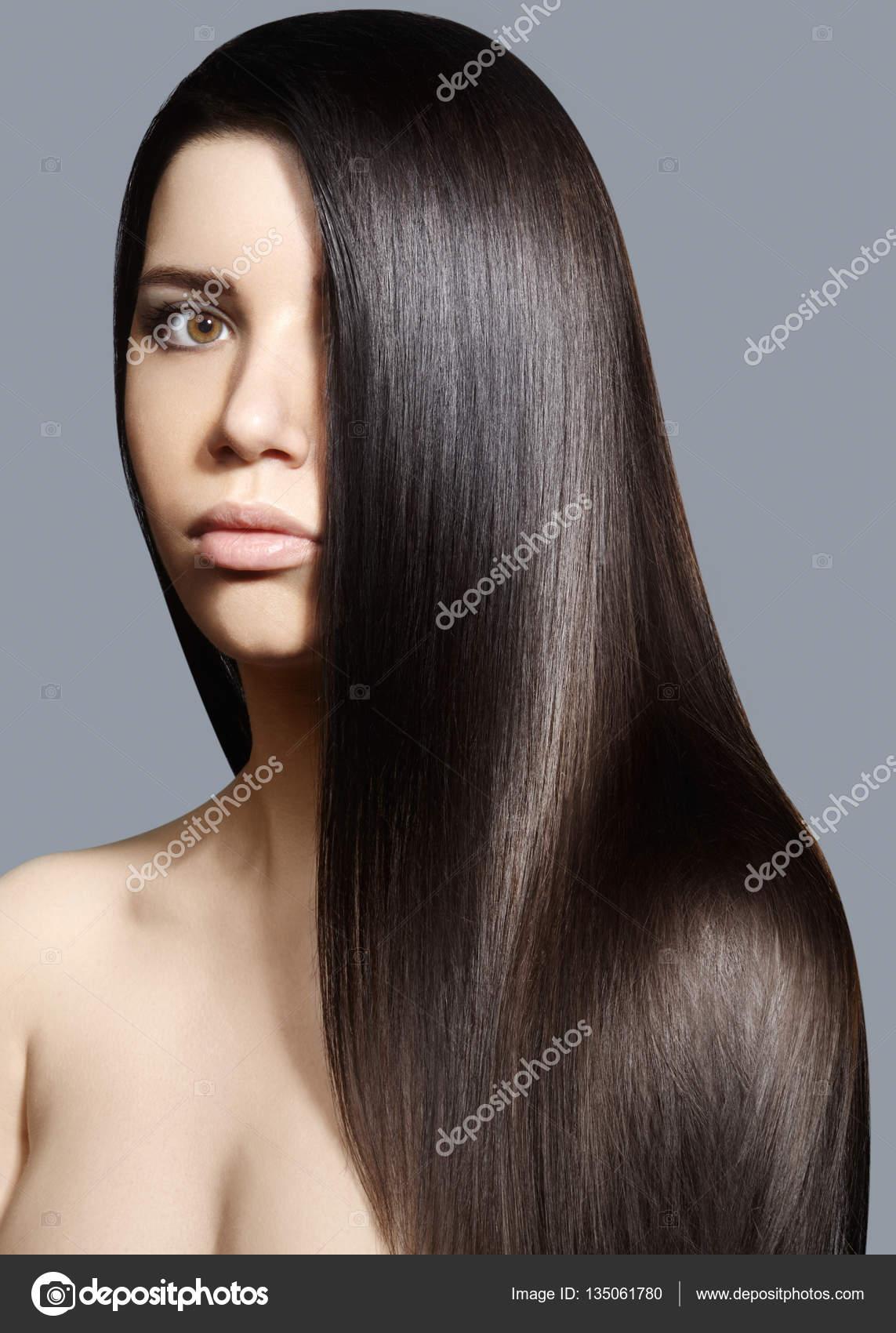 Schöne Junge Frau Mit Gereinigte Haut Schöne Gerade Glänzende Haare