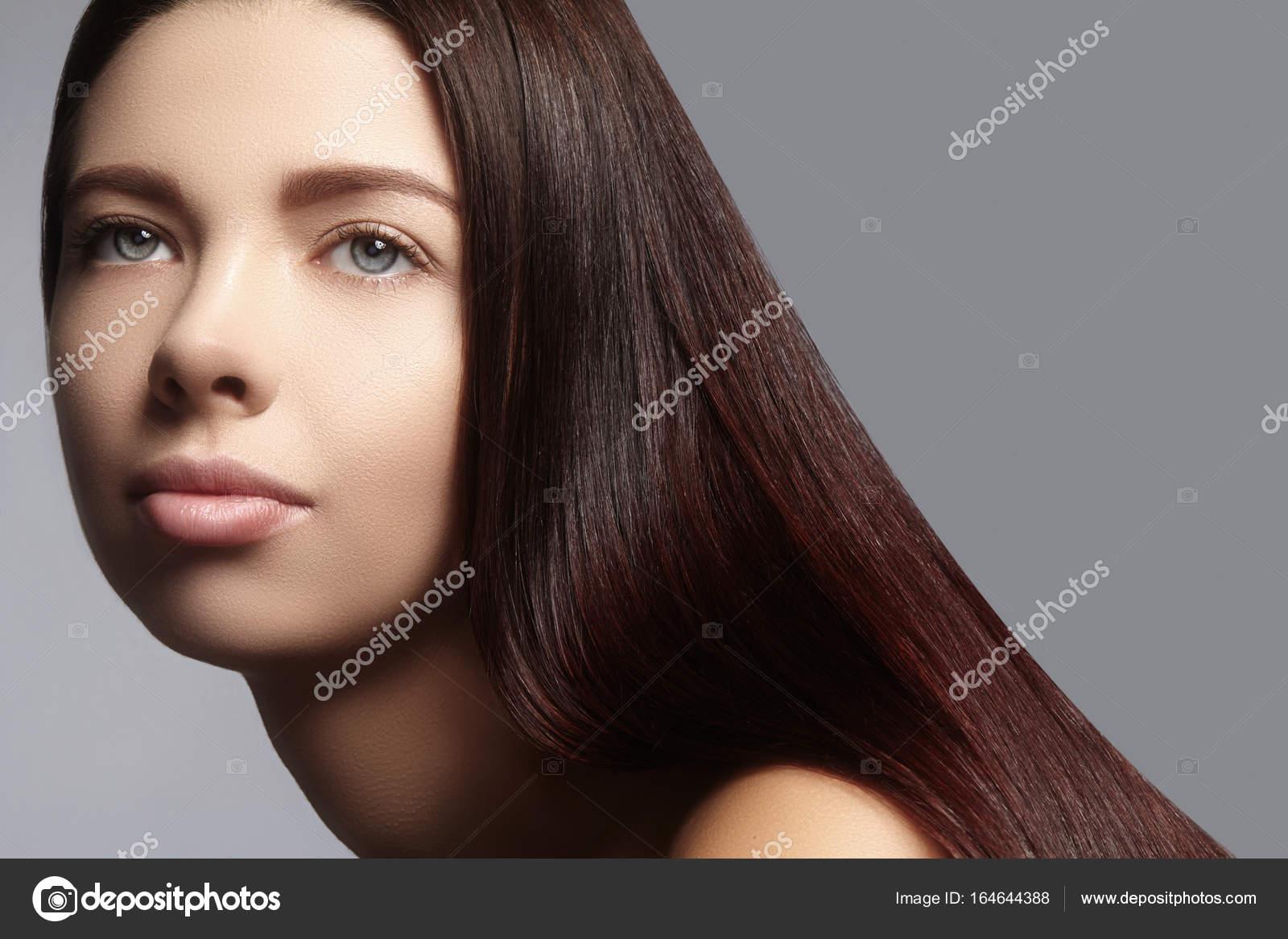 Mode Lange Haare Schöne Brünette Mädchen Gesunden Gerade Glänzende