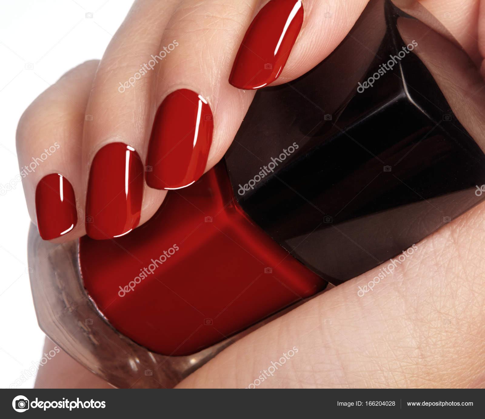 Piękne Kobiece Palce Z Idealnym Błyszczący Czerwony Manicure