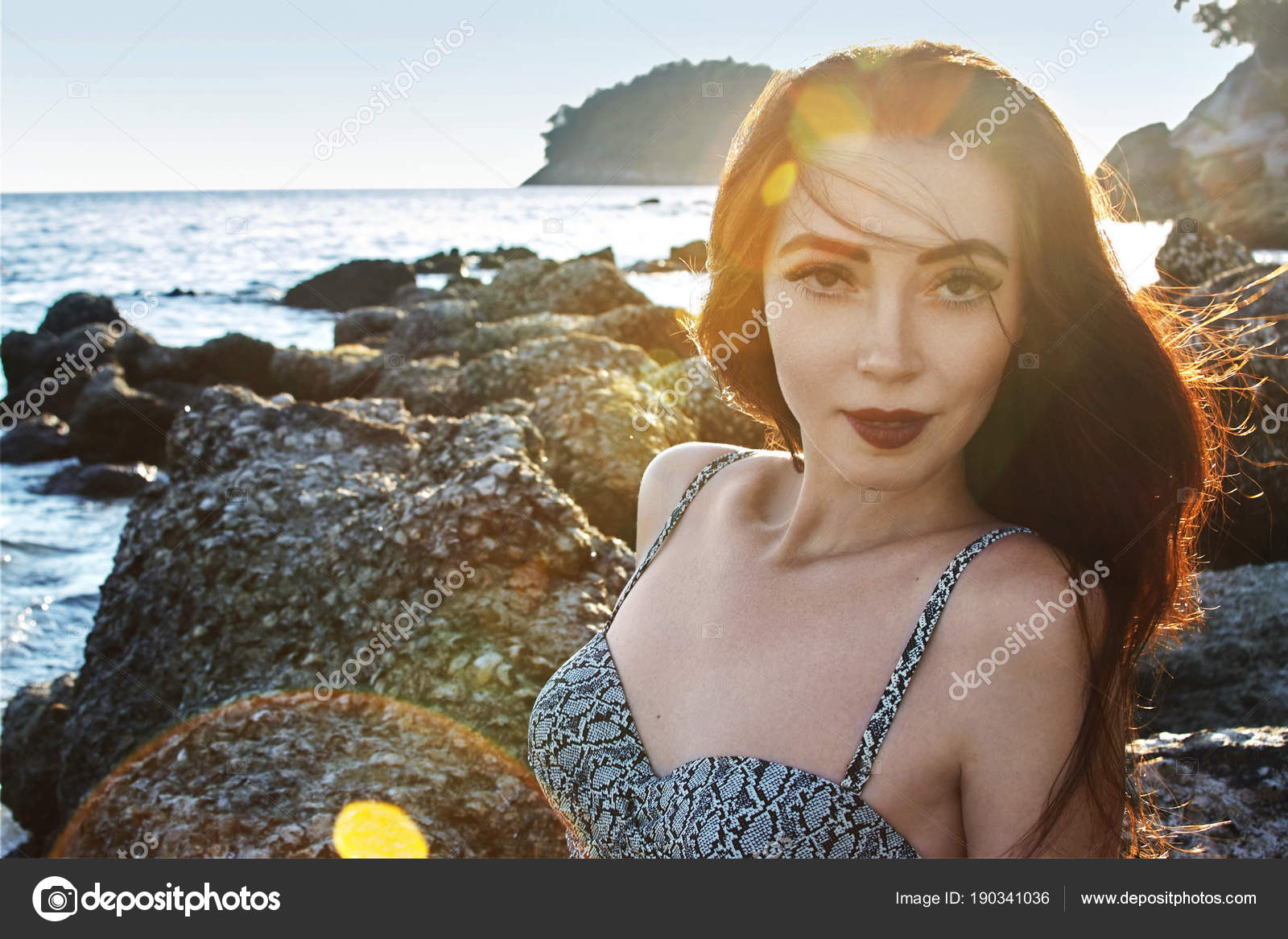 Портрет сексапильной женщины