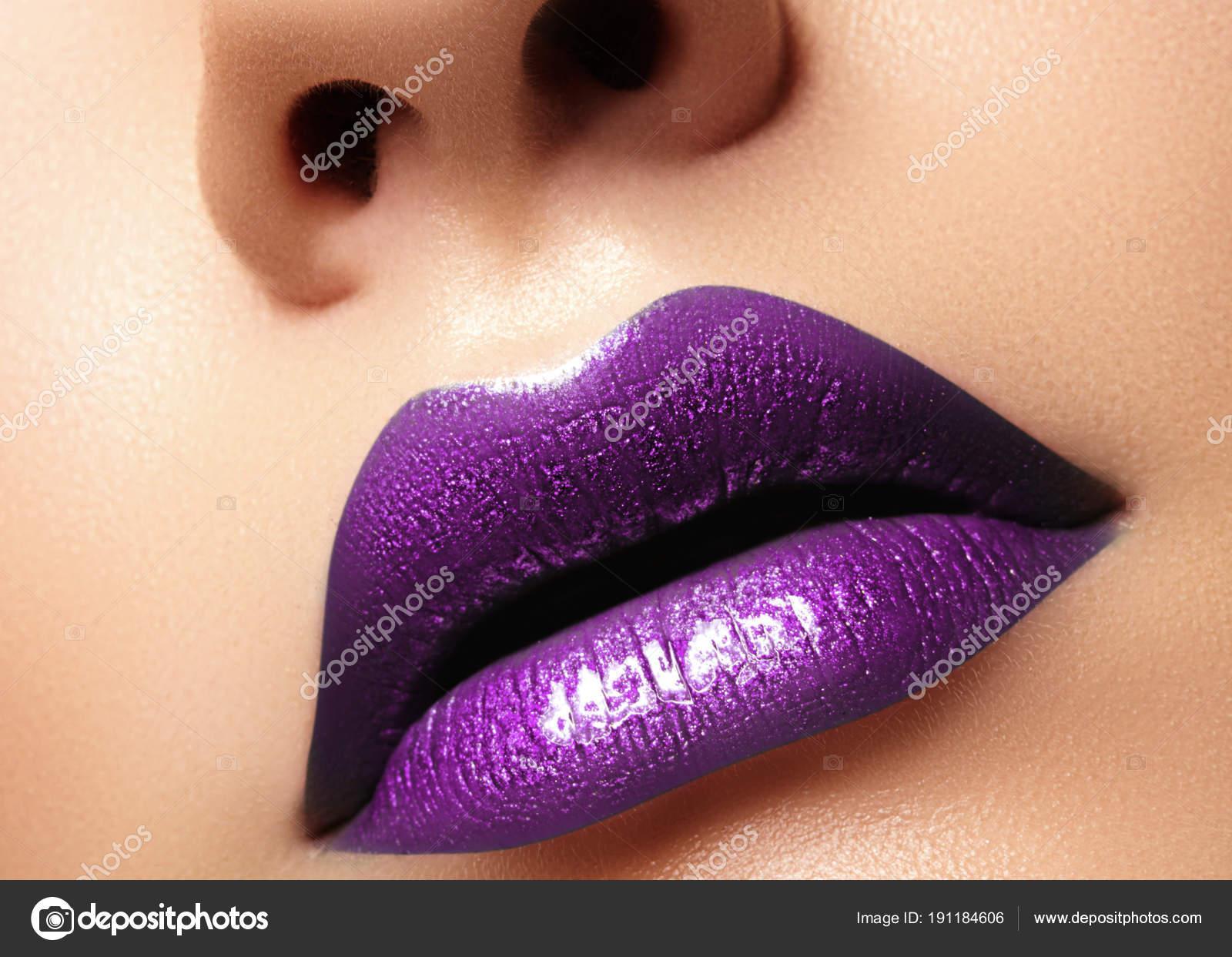 Эротические фотографии женских губ — pic 8