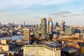 Letecký pohled na Londýn a řeky Temže, Velká Británie