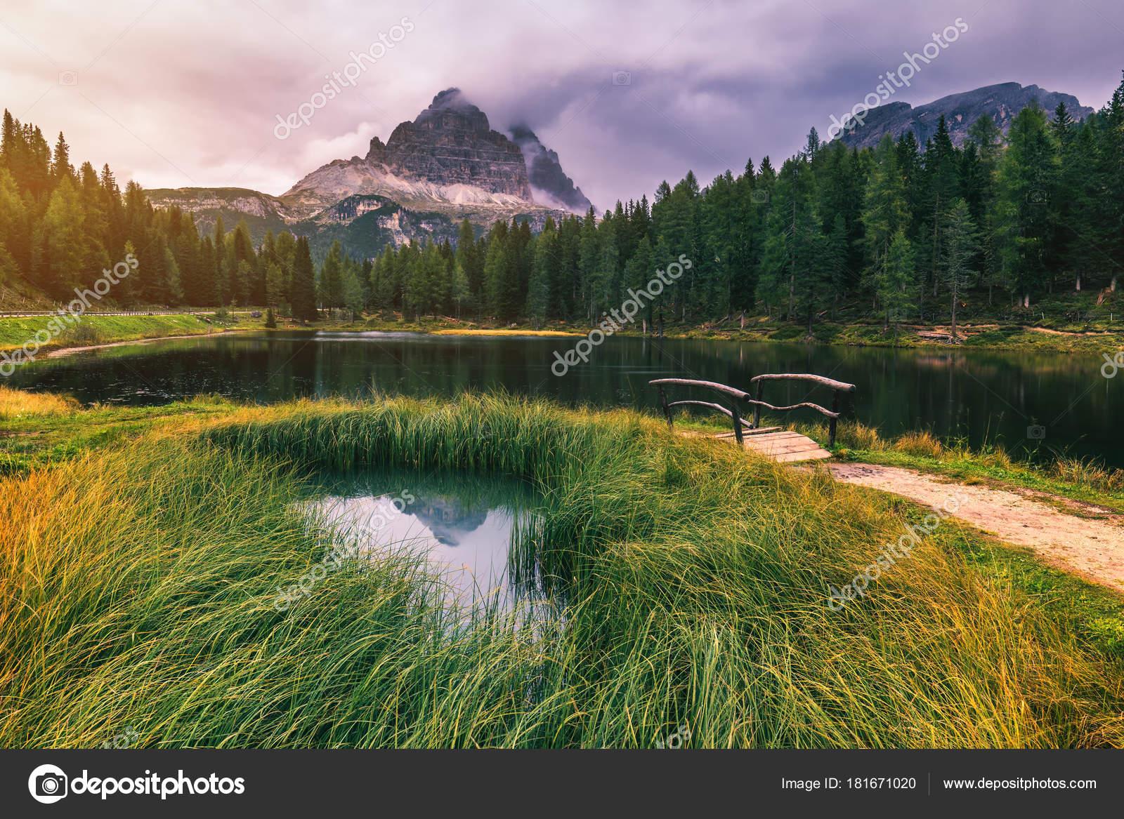Λίμνη Αντόρνο Τρεις Κορυφές Του Lavaredo Λίμνη Αντόρνο Και Tre ...