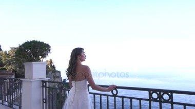 Видео сексуальной невесты