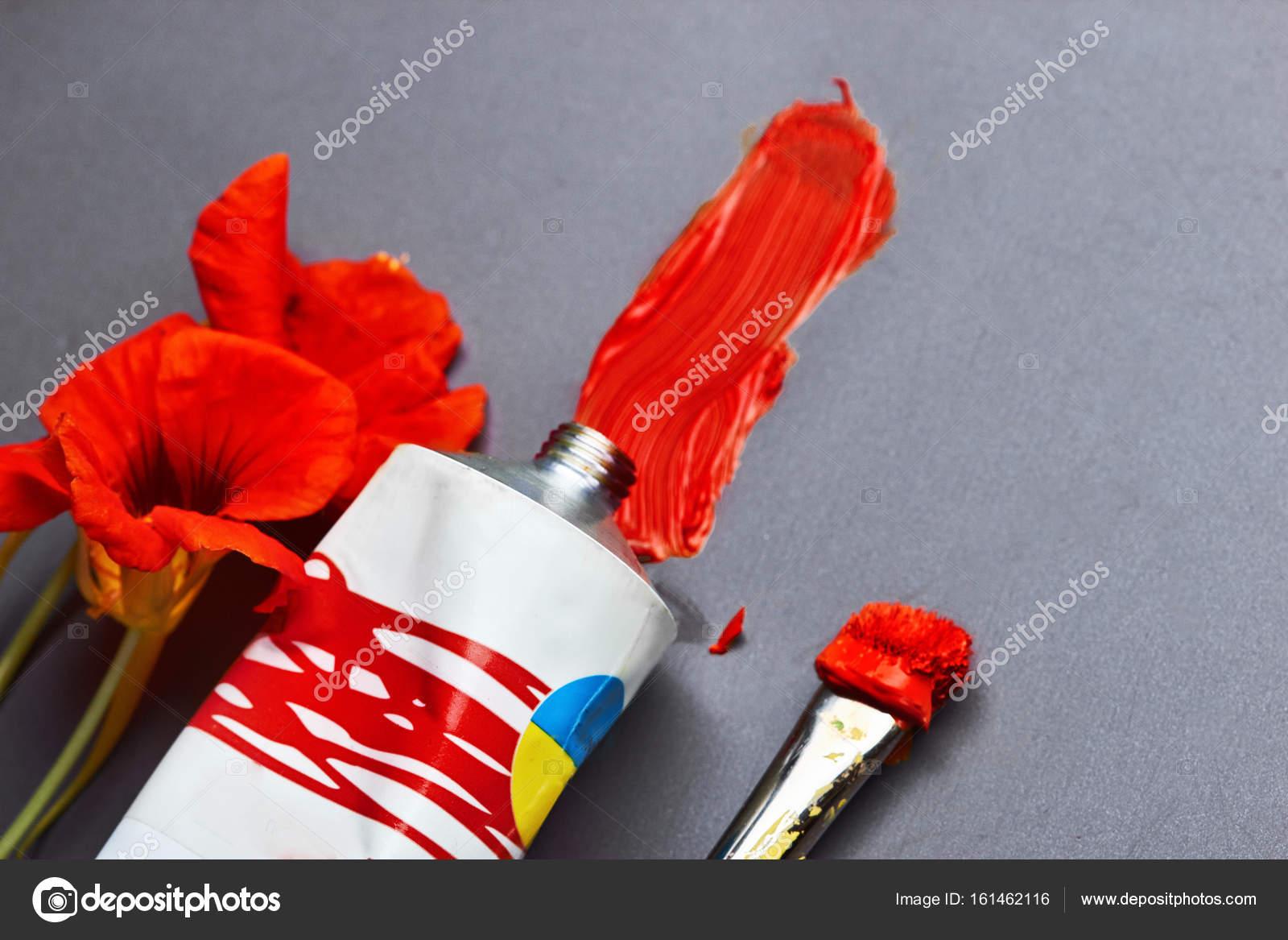Coup de tube rouge