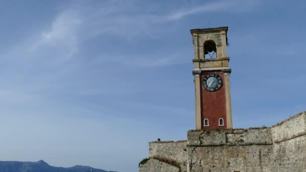 Die alte venezianische Festung in Korfu Stadt, Insel Korfu, Griechenland. Clock tower.