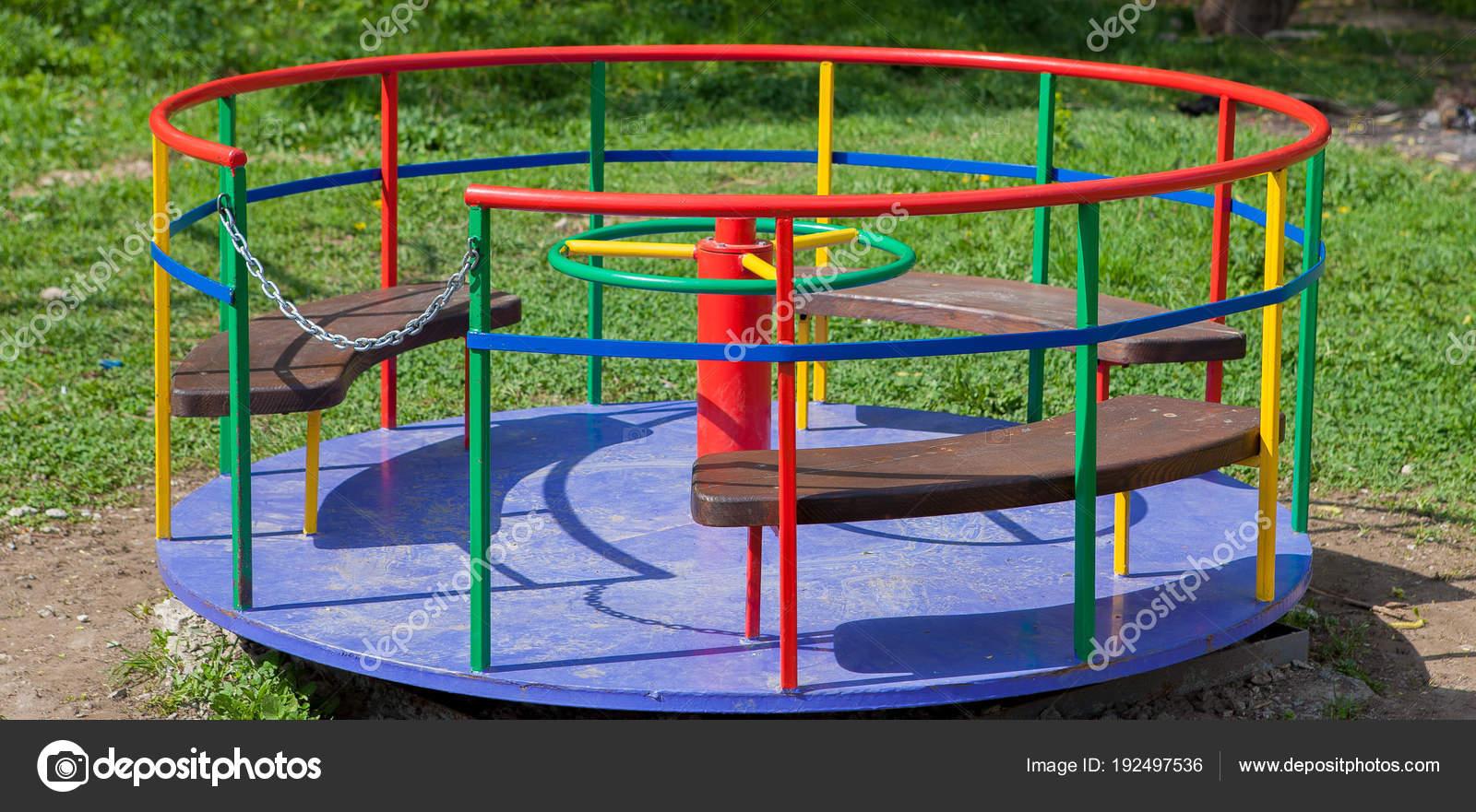 Kinderkarussell Eisen Spielplatz Für Kinder Schaukel Karussell
