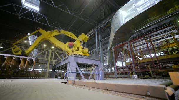 Macchina automatizzata. Macchina moderna di Cnc 3d di lavoro nello stabilimento industriale.