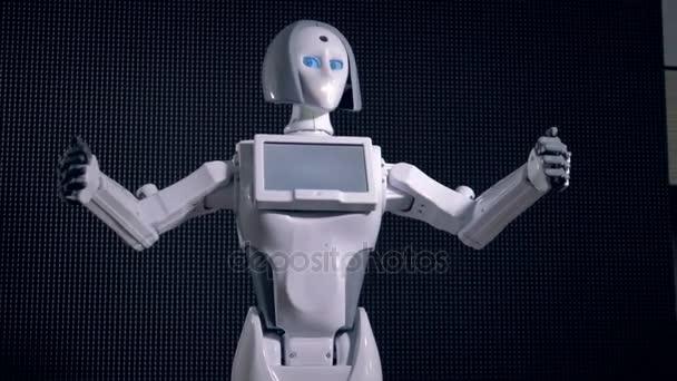 Robot ruce ukazující jeho neklid.