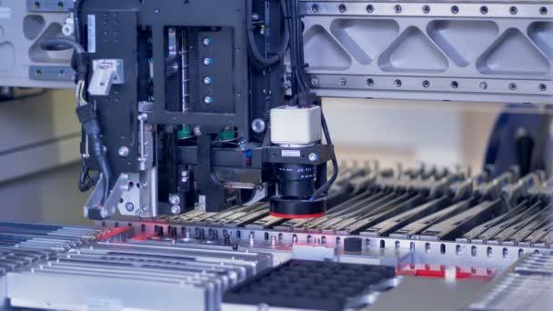 Smt stroje pomalu pracovat zavřete zobrazení.