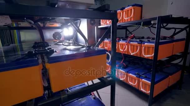 Metall Regale Lagerung von Industriebatterien für Daten-Storage ...
