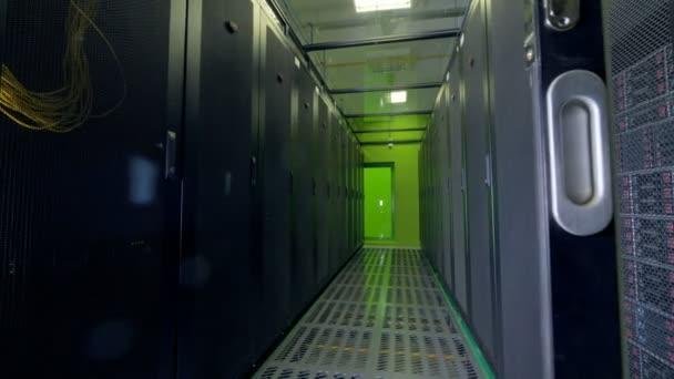 Servery s daty pracovat. Cloud computing, koncepce ukládání dat