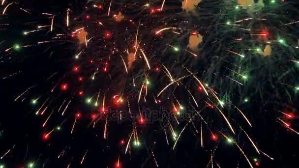 Majestátní novoroční oslavy ohňostroj. 4k.