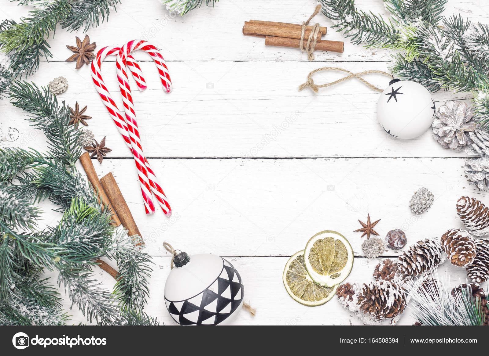 Weihnachten Urlaub Rahmen mit Zuckerstangen, Tannenzweigen und ...