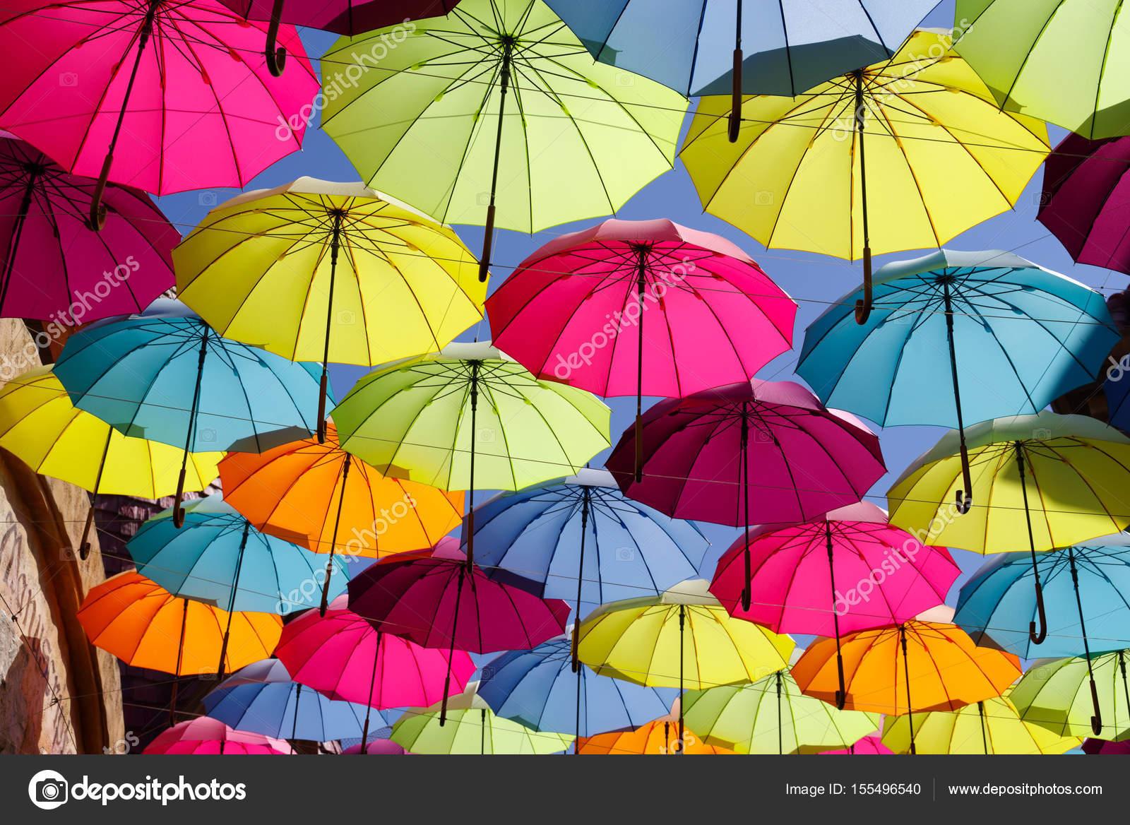 mejor valor duradero en uso zapatos casuales Paraguas de colores en el cielo | paraguas de colores en el ...