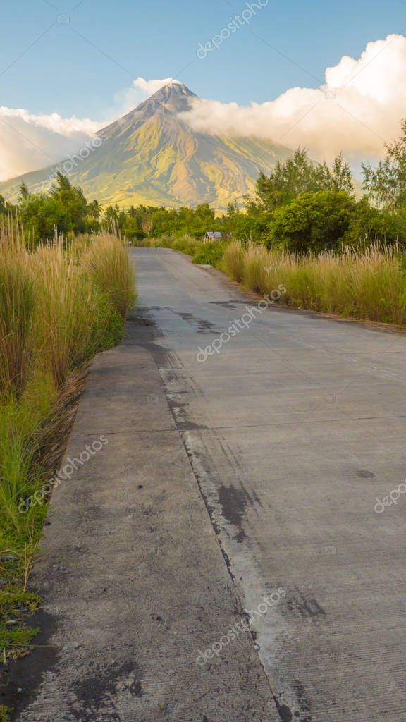 Mayon Volcano in Legazpi, Philippines. Mayon Volcano is an active volcano and rising 2462 meters from the shores of the Gulf of Albay.