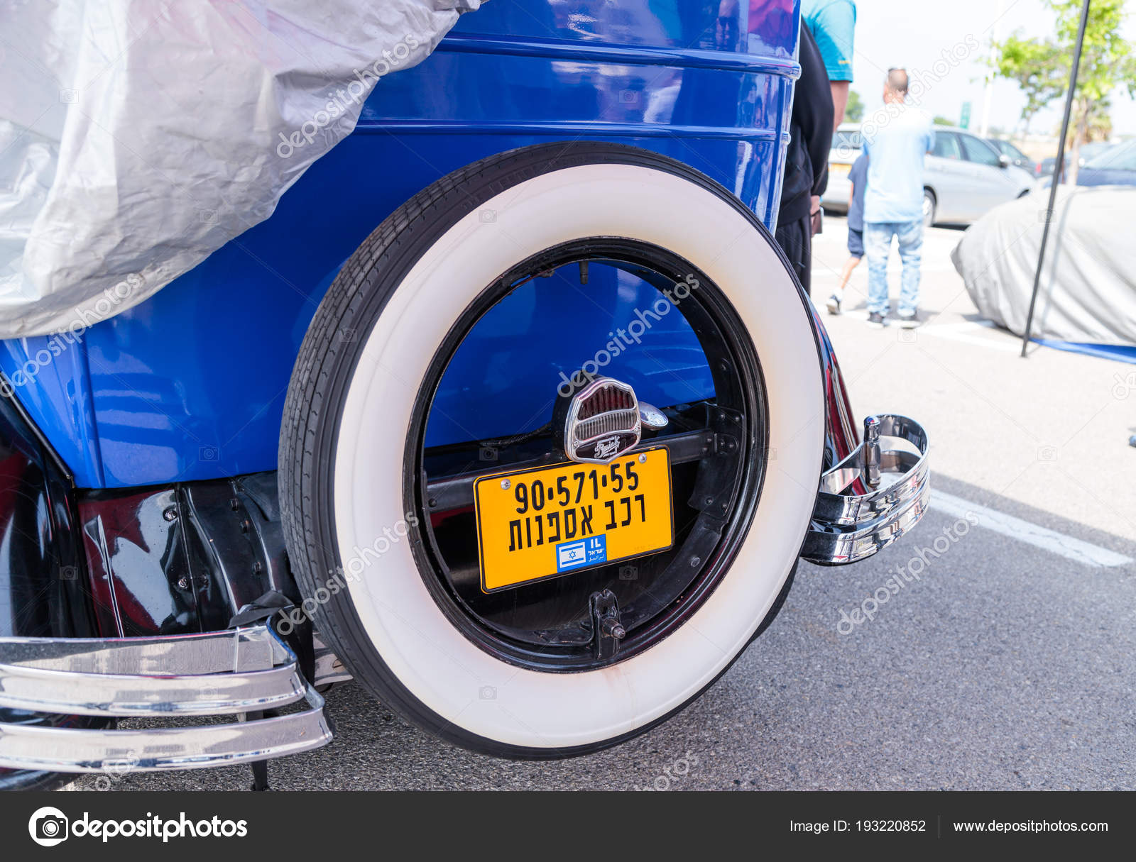 Spare wheel with a buick sign affixed to the car at an exhibition of spare wheel with a buick sign affixed to the car at an exhibition of vintage cars freerunsca Image collections