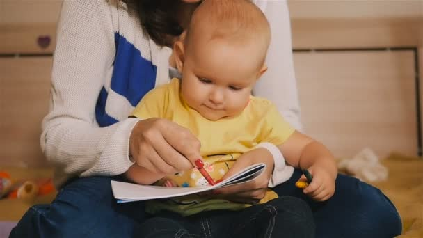 matka a dítě dcera dohromady malování dítě tužky