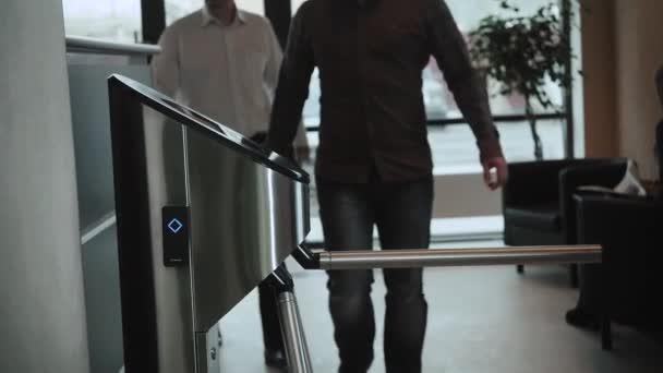 Vstupní brána přístup Touch technologie zabezpečení systému kancelářská budova s podnikatelů bude fungovat