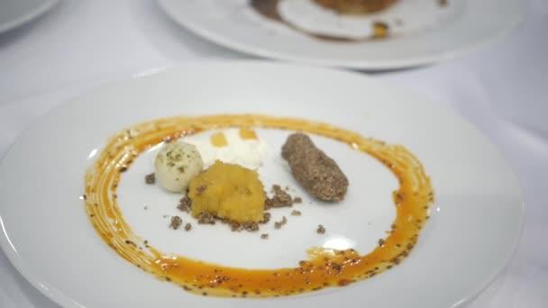Sada jídel připravených v restauraci šéfkuchaře soutěž soutěž, michelin hvězdy BGW potravinářské, akce expo soutěž stravování