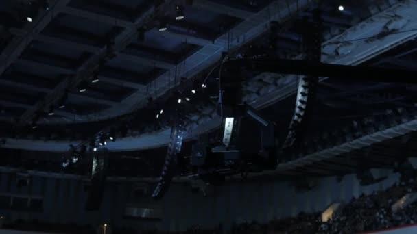Televizní kamera na jeřábu na fotbal mach nebo koncert zblízka